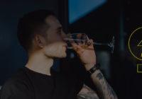 Mladá generácia a pitie vína